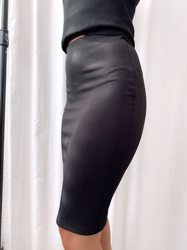 PENCIL SKIRT IN BLACK Skirt LE TRÉ