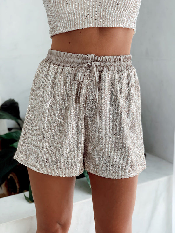 SEQUIN SHORTS WITH TIE BELT Trousers LE TRÉ