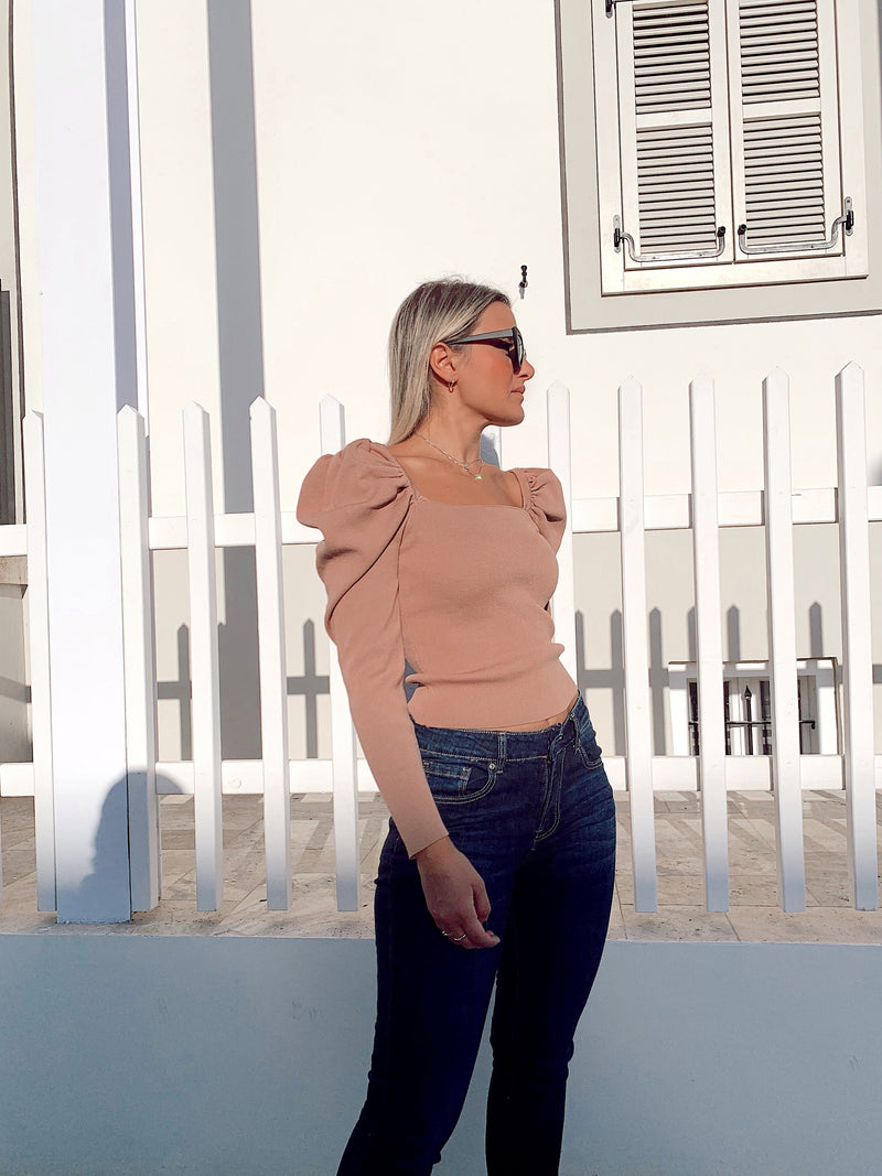 SQUARE NECK KNIT WITH PUFF SLEEVE - Knitwear - Shop Fashion at LE TRÉ