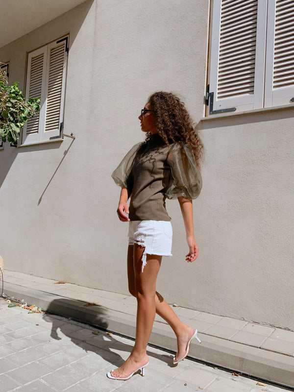 WHITE DENIM SHORTS WITH RIPS - Jeans - Shop Fashion at LE TRÉ