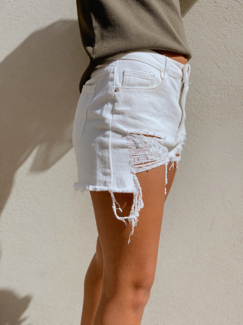 WHITE DENIM SHORTS WITH RIPS Jeans LE TRÉ