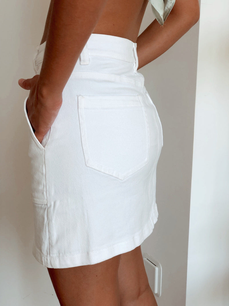 WHITE MINI SKIRT WITH POCKETS Skirt LE TRÉ