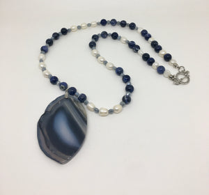 Gemstone Blue Agate With Freshwater Pearls