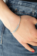 Load image into Gallery viewer, Twinkling Twist White Bracelet