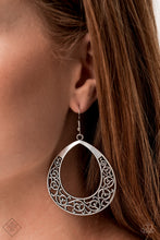 Load image into Gallery viewer, Vineyard Venture Silver Earring