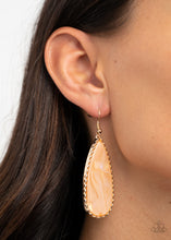 Load image into Gallery viewer, Ethereal Eloquence Gold Earring