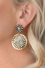 Load image into Gallery viewer, Fierce Florals Brass Earring