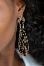 Load image into Gallery viewer, A HAUTE Commodity Post Black Earring