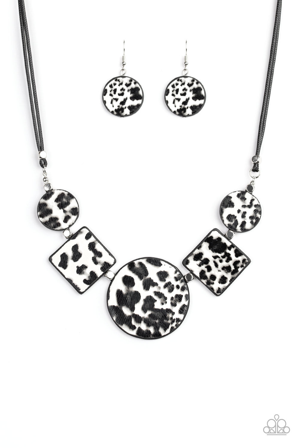 Here Kitty Kitty White Necklace