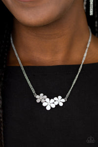 Hibiscus Haciendas White Necklace