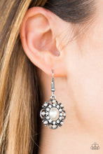 Load image into Gallery viewer, Blooming Romance White Earring