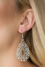 Load image into Gallery viewer, Wisteria Histeria Silver Earring