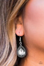 Load image into Gallery viewer, Talk Of The THRONE Silver Earring