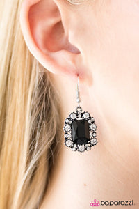 Stick It To The GLAM! Black Earring