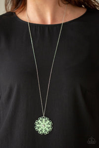 Spin Your PINWHEELS Green Necklace