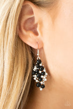 Load image into Gallery viewer, Famous Fashion Black Earring