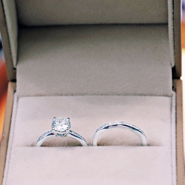 18K White gold Diamond Ring  with Guard Ring Size 5