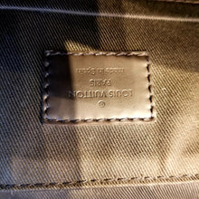 Load image into Gallery viewer, Louis Vuitton District NM Messenger Bag Damier PM