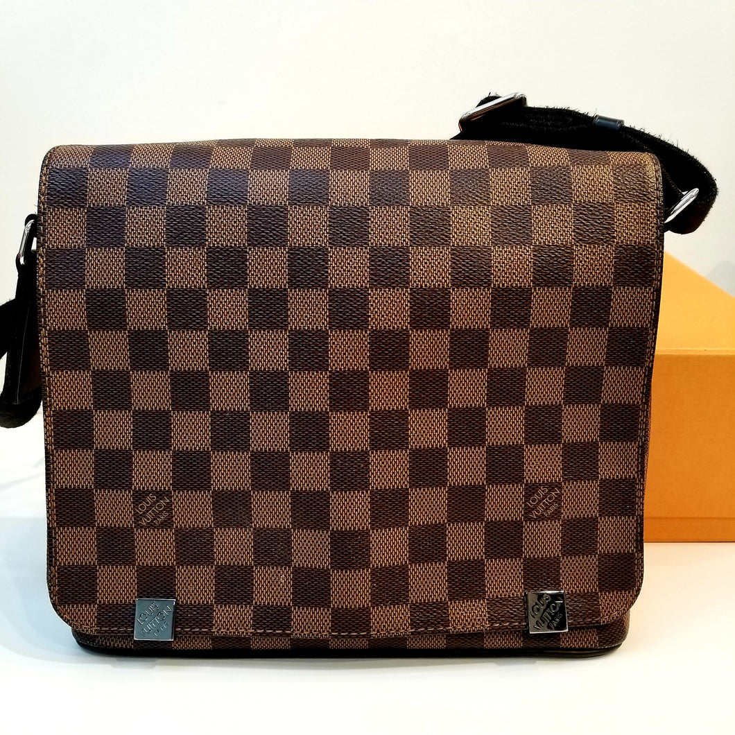 Louis Vuitton District NM Messenger Bag Damier PM
