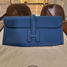 Load image into Gallery viewer, HERMES Swift Jige Elan 29 Clutch Bleu Agate