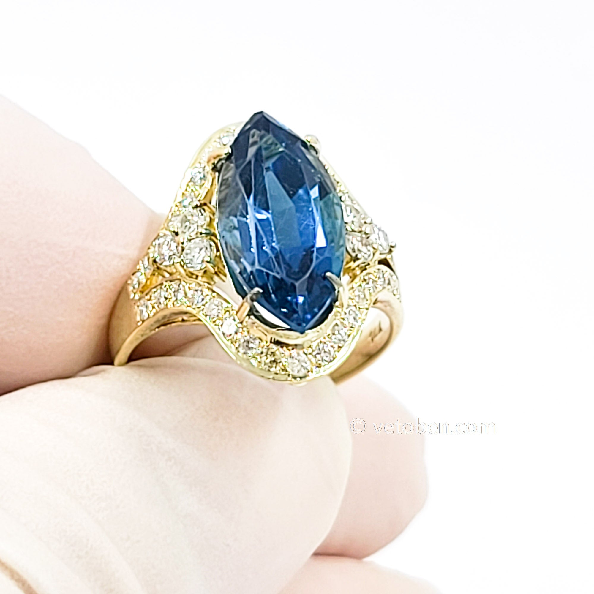 14k Yellow Gold Ring Natural stone Size adjustable