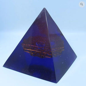Violet Energy Pyramid - Supreme Light Supreme Love
