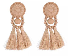 Load image into Gallery viewer, Senorita Nude Tassel Earrings