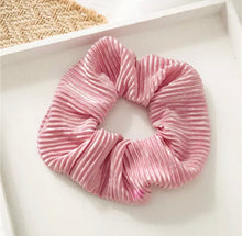 Load image into Gallery viewer, Crinkle Scrunchie - Pink