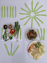 Load image into Gallery viewer, Compostable Knives 160 pack with tray in the color Green