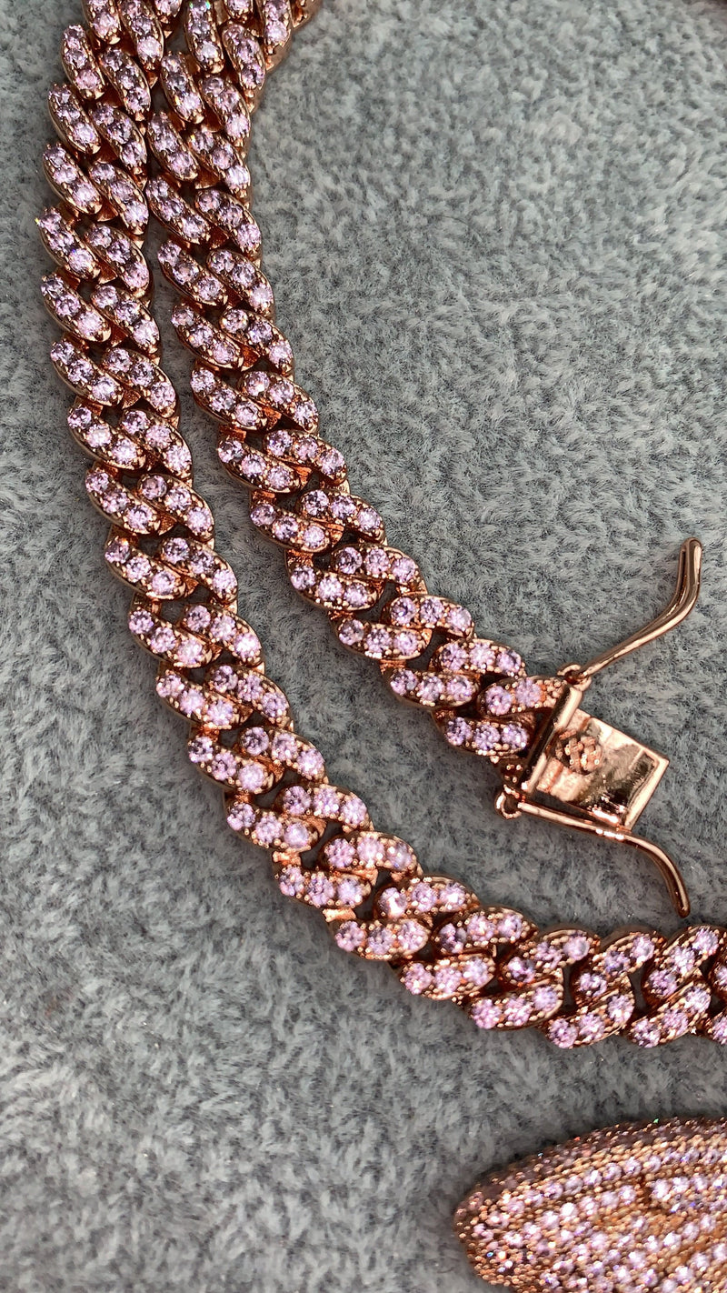 Lola Necklace Pink