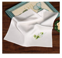 Load image into Gallery viewer, Scarf Magnolia White