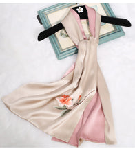 Load image into Gallery viewer, Scarf Begonia Pink