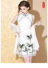 Load image into Gallery viewer, Silk Green Bamboo Qipao Cheongsam
