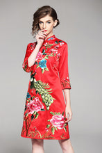Load image into Gallery viewer, Peahen Qipao Cheongsam