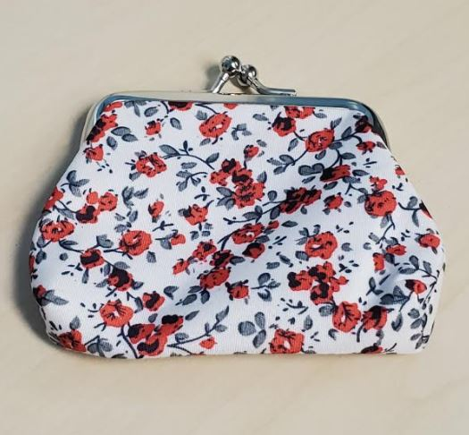 G144 White Red Floral Clasp Coin Purse
