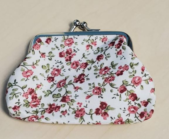 G143 White Burgundy Floral Clasp Coin Purse
