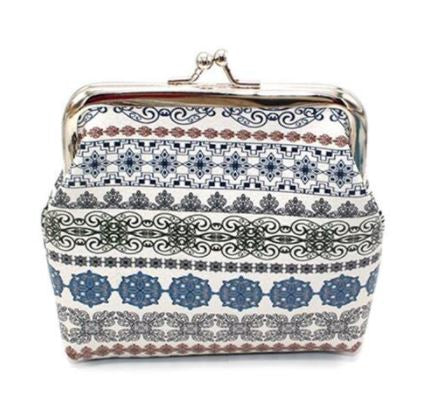 G166 White & Blue Festive Clasp Coin Purse