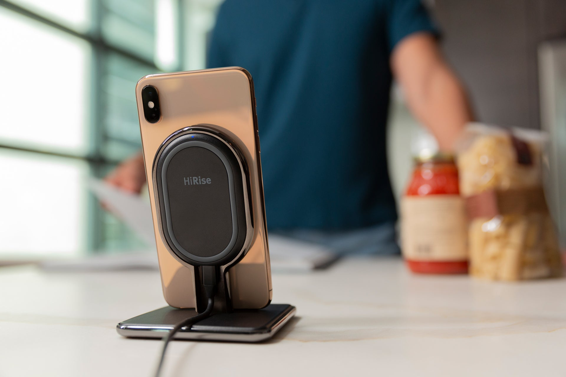 HiRise Wireless: Desktop wireless charger and portable