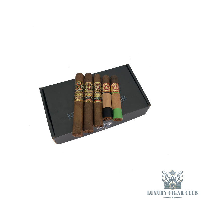 FFOX Tauros the Bull Natural Holiday Sampler 2020