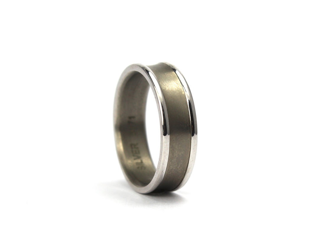 9ct white gold and titanium band