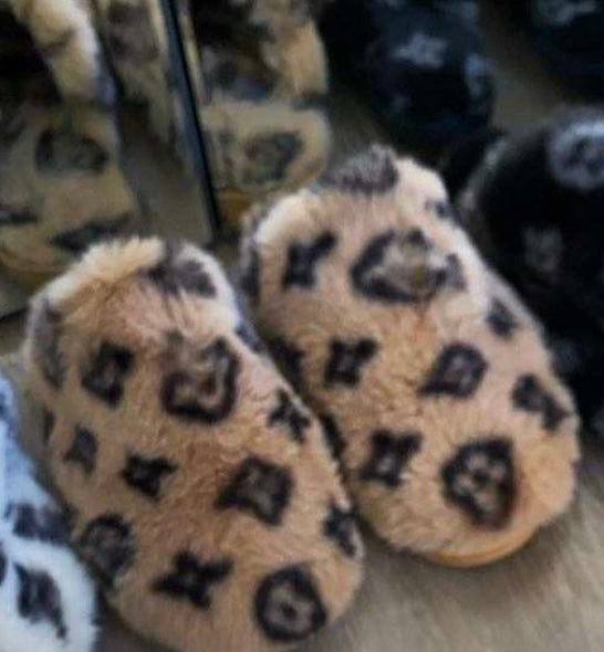 Lv slippers