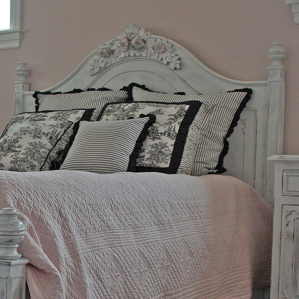 Veronica Rose Queen Bed