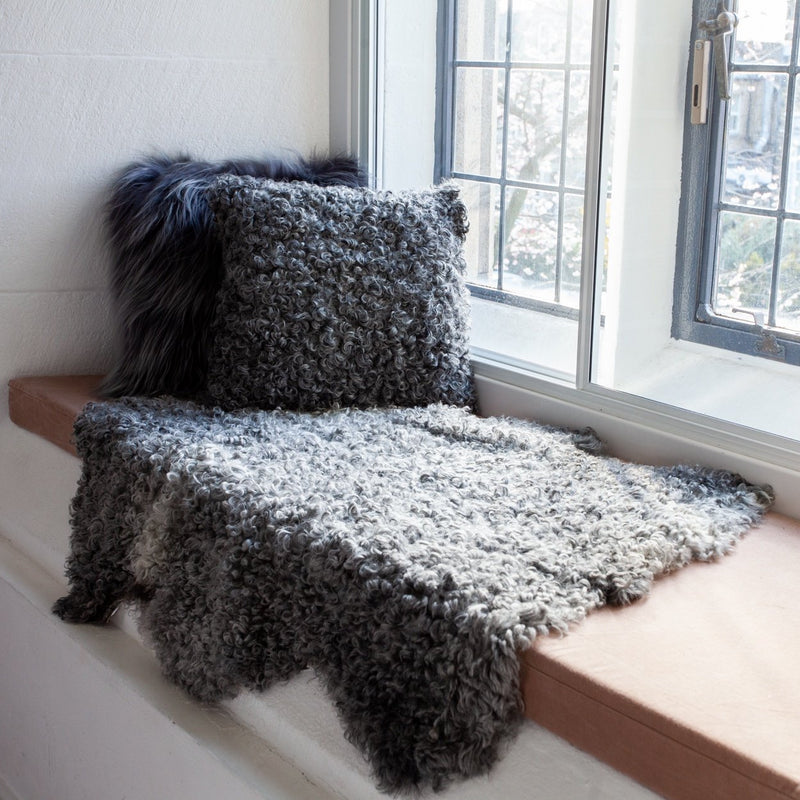 Gotland Sheepskin Rug | Swedish Gotland | Curly | Natural Grey