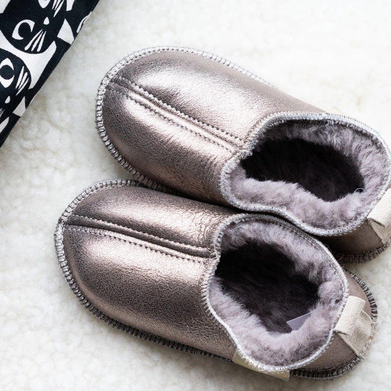 Margot Child's Sheepskin Slippers (Pewter)