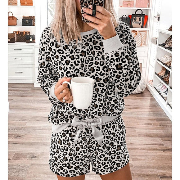 Women's leopard two piece lounge wear set