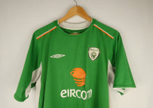 Load image into Gallery viewer, 2004-06 Umbro Ireland Jersey (Home) (L)