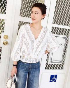 ELROY eyelet top