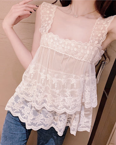 OREANA lace top