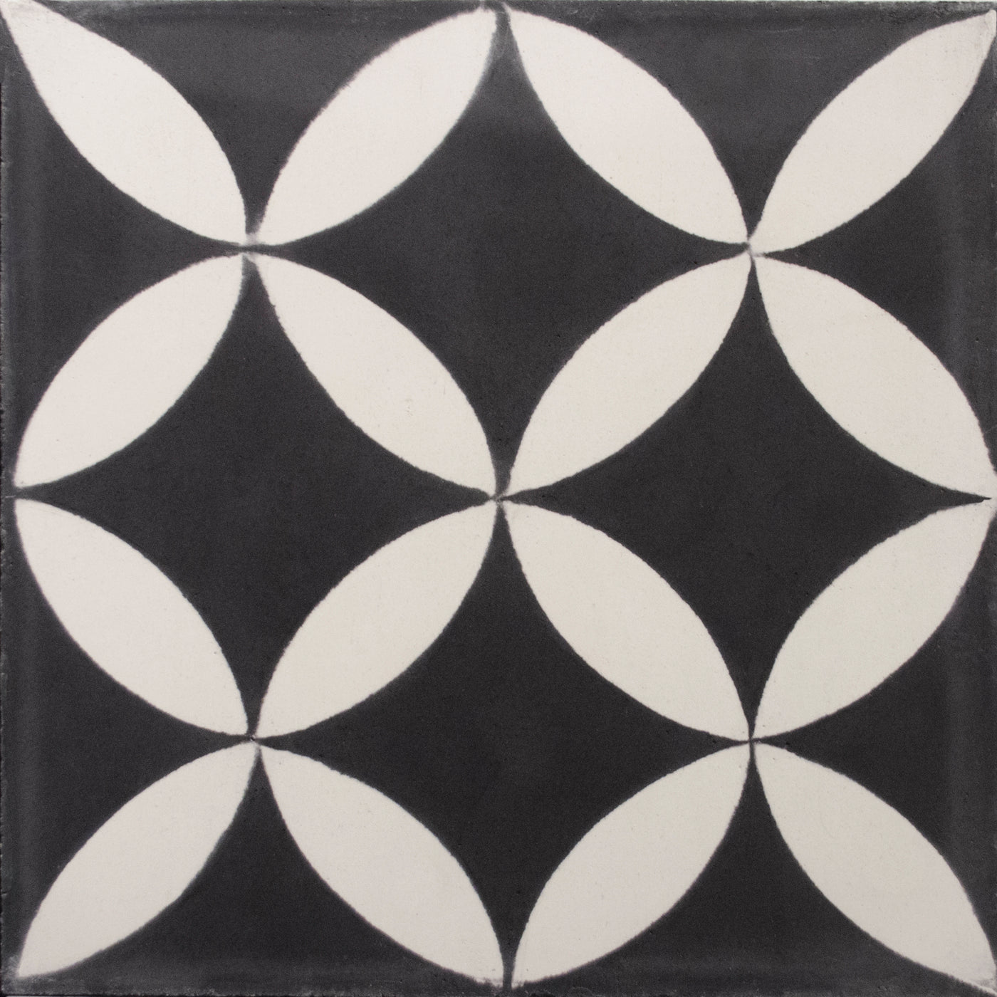 Square cement tile pattern Black/white