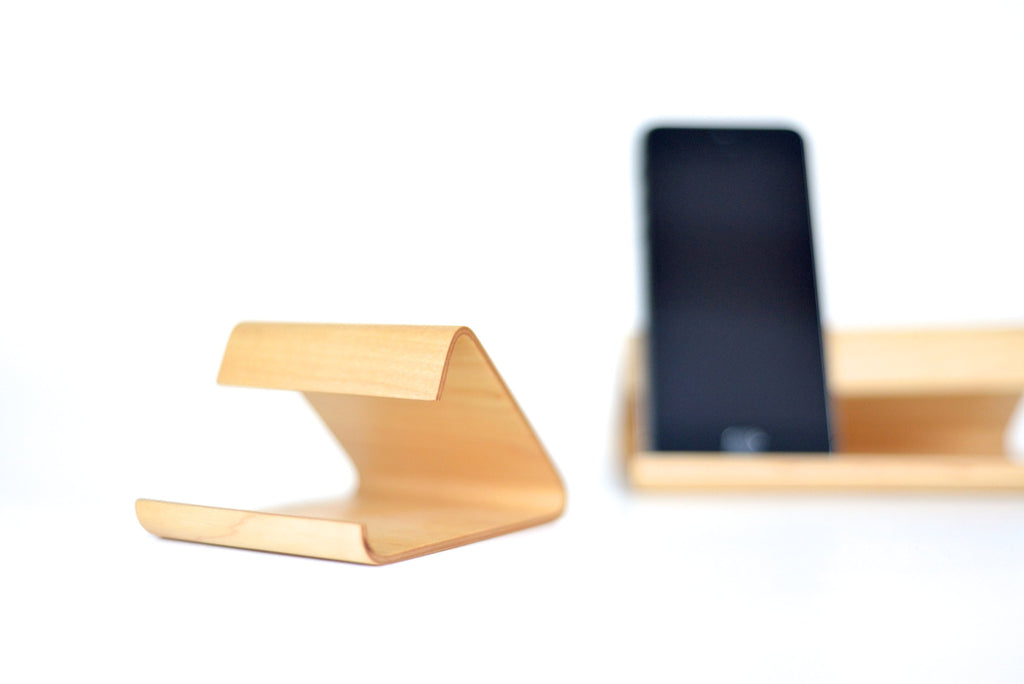 Support pour iPhone en bois - iPhone Wood Stand